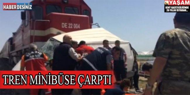 Tren minibüse çarptı: 7 ölü