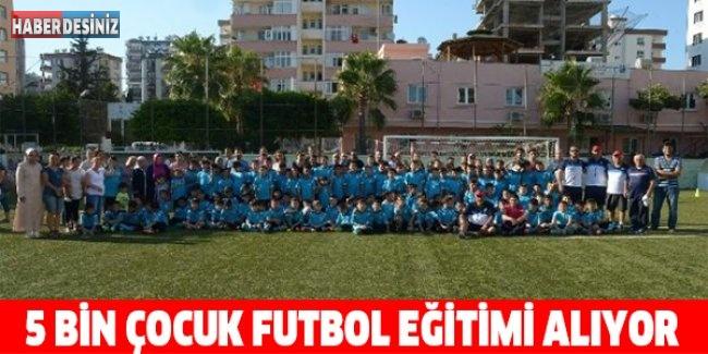5 bin çocuk futbol eğitimi alıyor