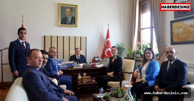 """Turgutlu'nun """"Kuru Üzüm'ü"""" MHP Genel Merkezinde."""