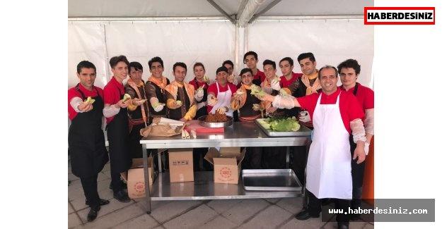 Zeytinburnu'nda Radyo Festivali, Çiğ Köfte İkramıyla Başladı