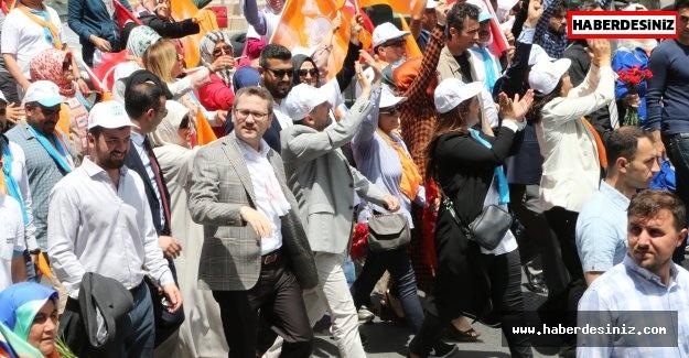 Başakşehir'de kadınlar kapı kapı dolaşıyor