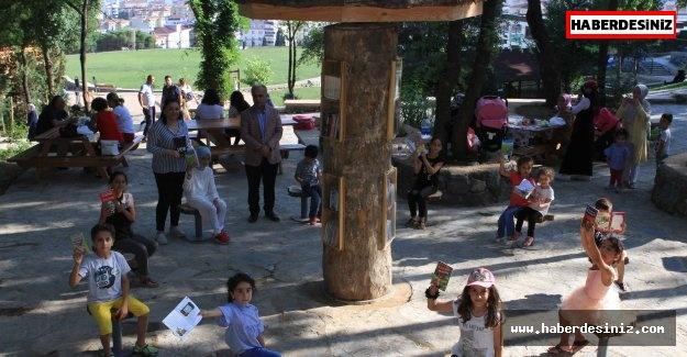 Ağaçlardan Kitap Aldılar