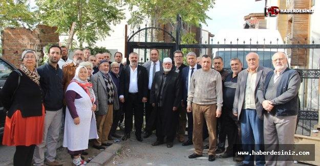 Fatih'te sokağın tam ortasına yapılan utanç kapısı
