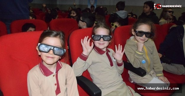 12 bin çocuğun 3D sinema keyfi