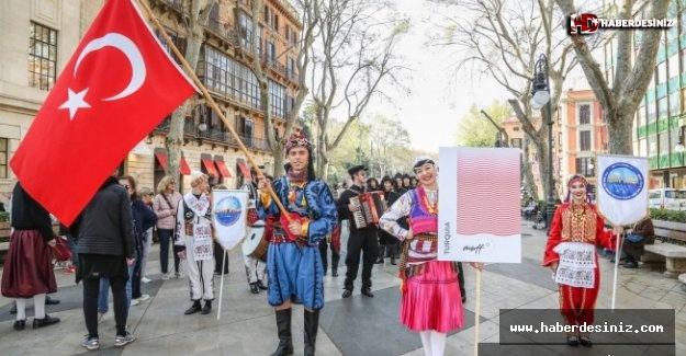 Halk Dansları Türkiye'yi Temsil Ediyor