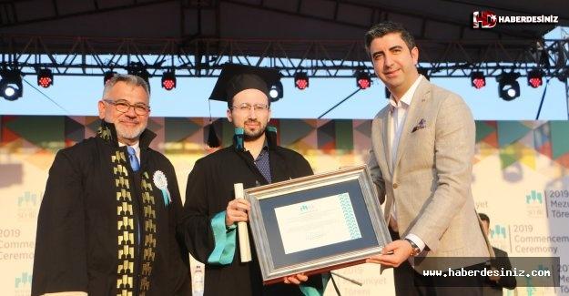 Başkan Gökhan Yüksel, İstanbul Şehir Üniversitesi'nin mezuniyet törenine katıldı