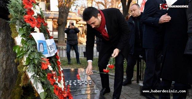 Gazeteci Yazar Uğur Mumcu Beşiktaş'ta Anıldı!