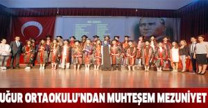Uğur Ortaokulu'ndan muhteşem mezuniyet
