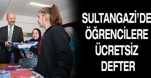 Sultangazi'de öğrencilere ücretsiz defter
