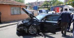 Göksu'nun Makam Aracı Kaza Yaptı