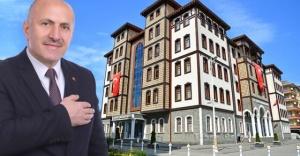 MHP'li belediye başkanı, T.C. ibaresini belediyenin tabelasına ekledi