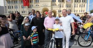 Öğrencilere 143 adet bisiklet dağıtıldı