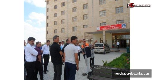 Konya'da KYK yurdu açılmayınca öğrenciler sokakta kaldı