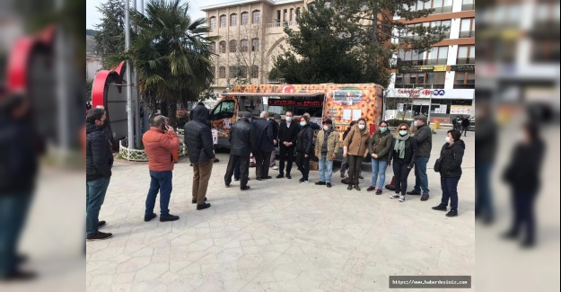 CHP Çatalca İlçe Başkanlığı Atatürk ve Şehitler İçin Lokma Dağıttı