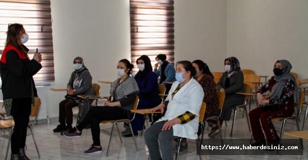 Kadın sosyal yaşam merkezin'de 'afet eğitimi' semineri