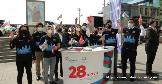 İstanbul'da Azerbaycan bayramı kutlaması