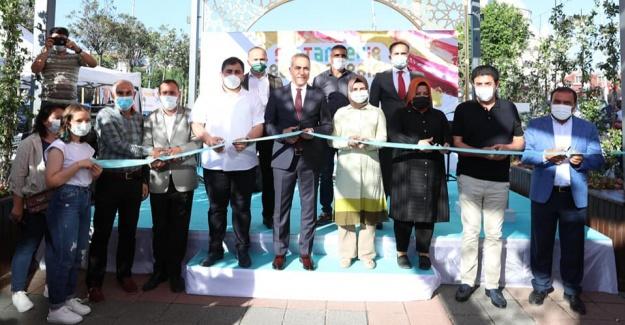 Geleceğin sanatçıları  Sultangazi'de hünerlerini sergiledi