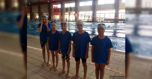 Bağcılarlı minik yüzücülerde hedef madalya