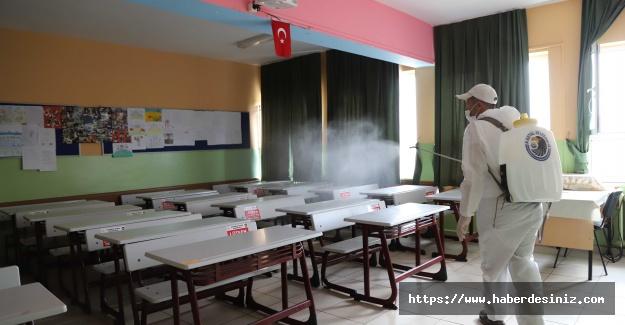 Kartal'da yüz yüze eğitim için okullar dezenfekte ediliyor