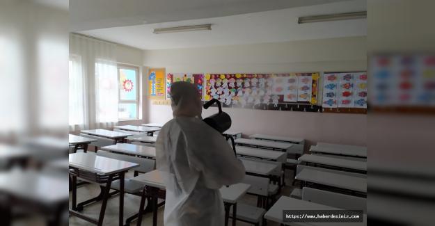 Sınav merkezleri dezenfekte edildi