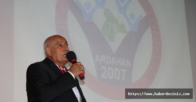 Ardahan Kültür Evi'nde Efrail Çifçi yeniden başkan seçildi
