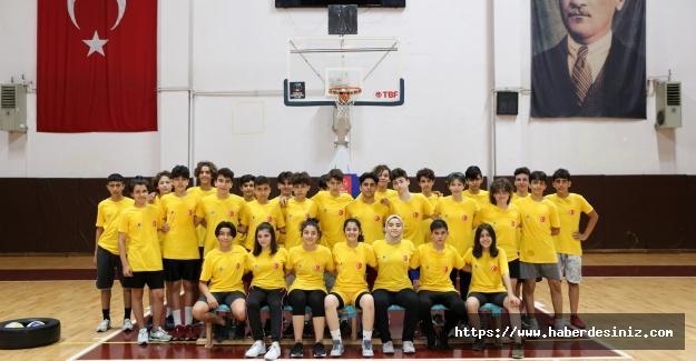 Küçükçekmece'den öğrencilere spor kursu
