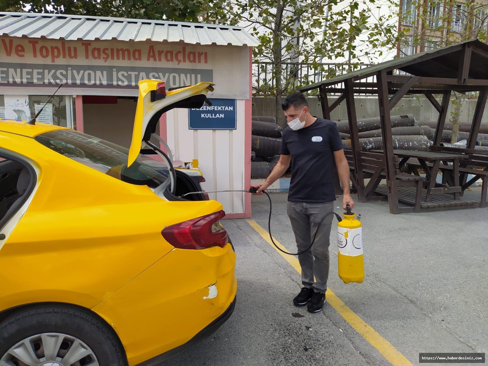 Esenyurt'ta araçlar dezenfekte ediliyor