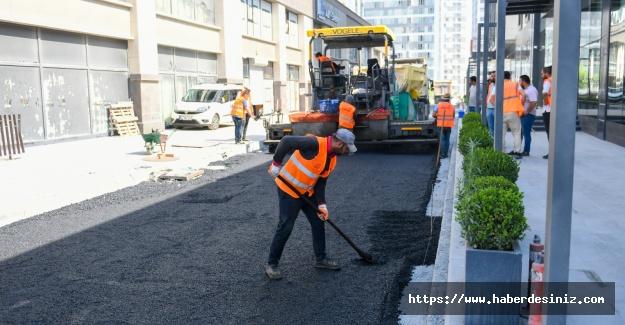 Esenyurt'ta asfalt yol çalışmaları devam ediyor