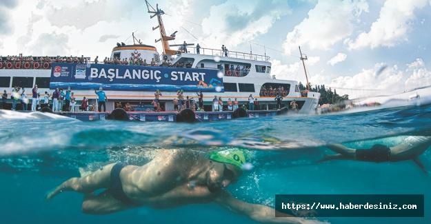 Kıtaları buluşturan yüzme yarışı