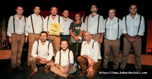Maltepe Tiyatrosu'na Ukrayna'dan çifte ödül