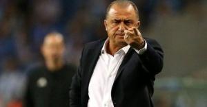 Real Madrid'de Zidane'ın yerine Fatih Terim'in de adını geçiyor.
