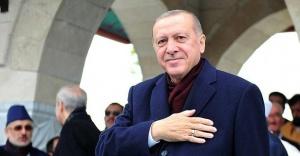 Erdoğan cuma namazını Mimar Sinan Camisi'nde kıldı.