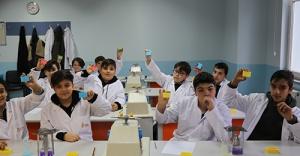 Ümraniyeli Öğrenciler Bilimsel Düşünüyor