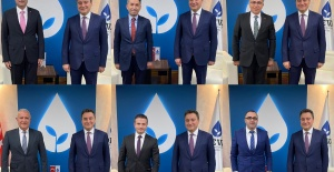 Deva'da ilçe başkanları mazbatalarını Genel Başkan Ali Babacan'ın elinden aldılar