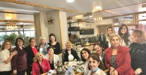 CHP'li kadınlar meme kanserine dikkat çekti