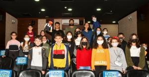 Esenyurt'ta çocuklara özel kukla tiyatrosu