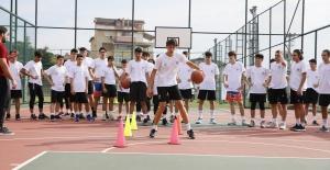 Sultangazili gençler yeni sezon kampına başladı